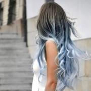 voorbeeldfoto-licht-blauwe-ombre-lang-haar